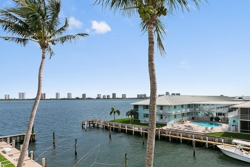 100 Doolen Court 310, North Palm Beach, FL 33408