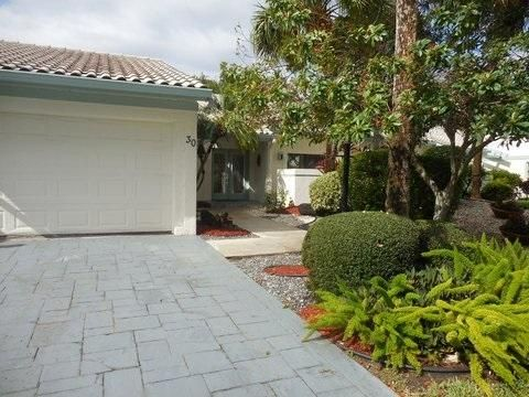 30 Cambridge Drive, Boynton Beach, FL 33436