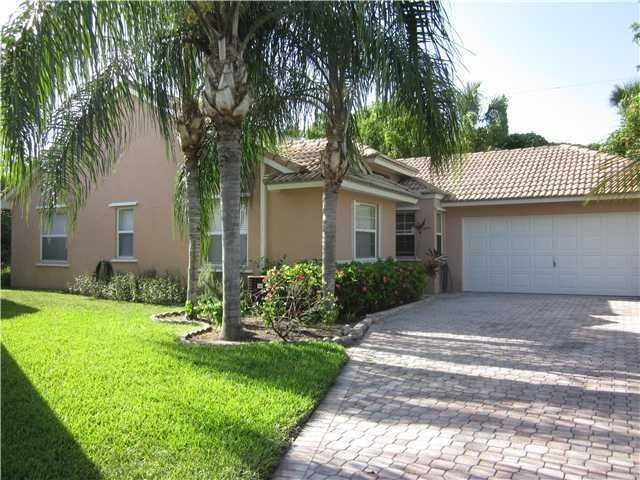 13279 Majestic Pine Court  Delray Beach FL 33484