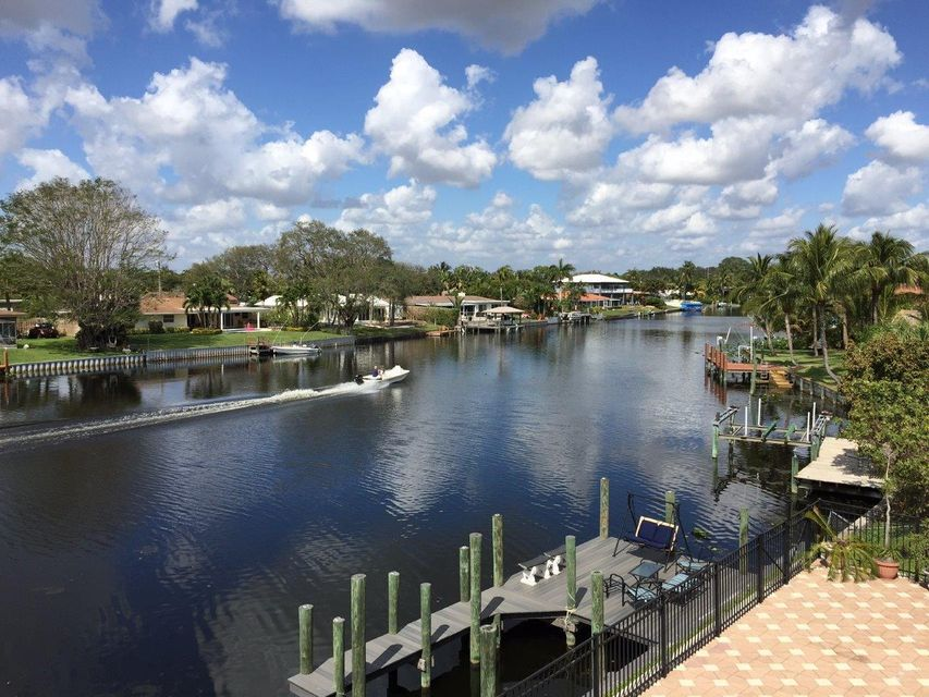 Additional photo for property listing at 7831 Pine Tree Lane  Lake Clarke Shores, Florida 33406 United States