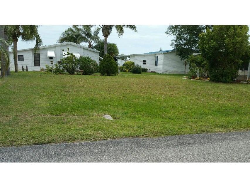 7527 Chasta Road, Micco, FL 32976