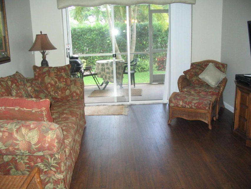 Co-op / Condo for Rent at 254 SE Village Boulevard 254 SE Village Boulevard Tequesta, Florida 33469 United States