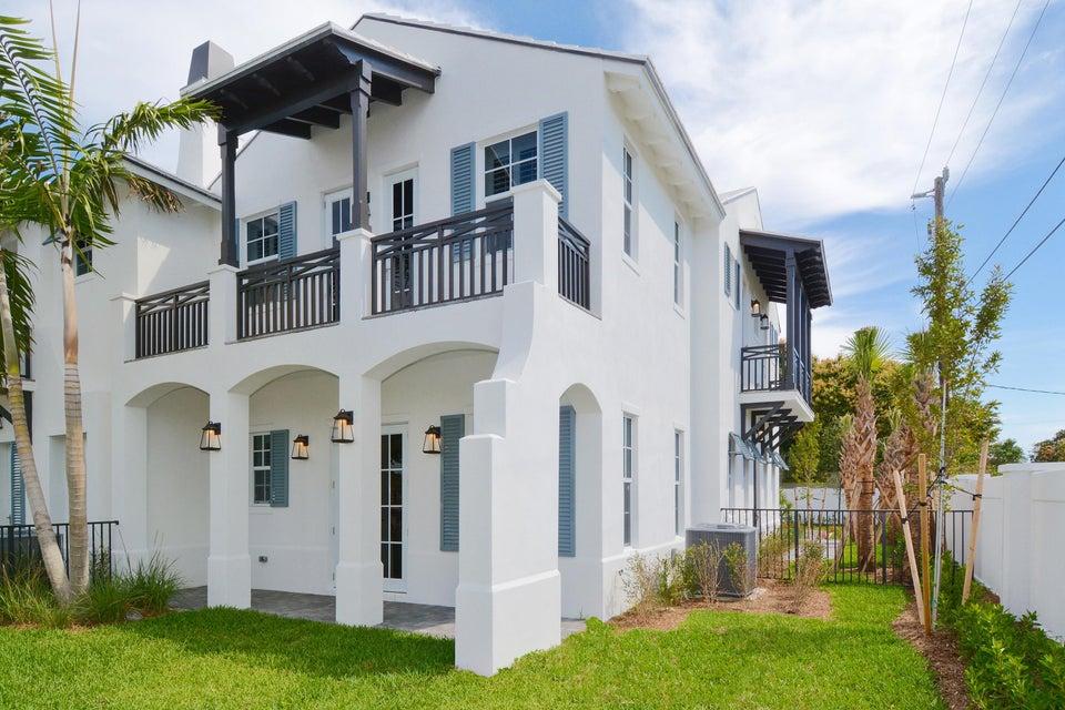 902 Hamilton Lane, Delray Beach, FL 33483