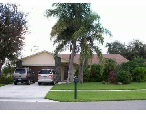 7515 Woodland Creek Lane, Lake Worth, FL 33467
