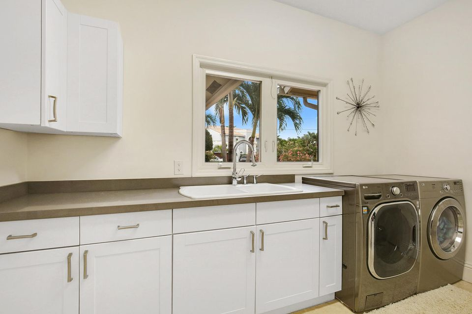 Additional photo for property listing at 3001 Jasmine Court 3001 Jasmine Court Delray Beach, Florida 33483 United States