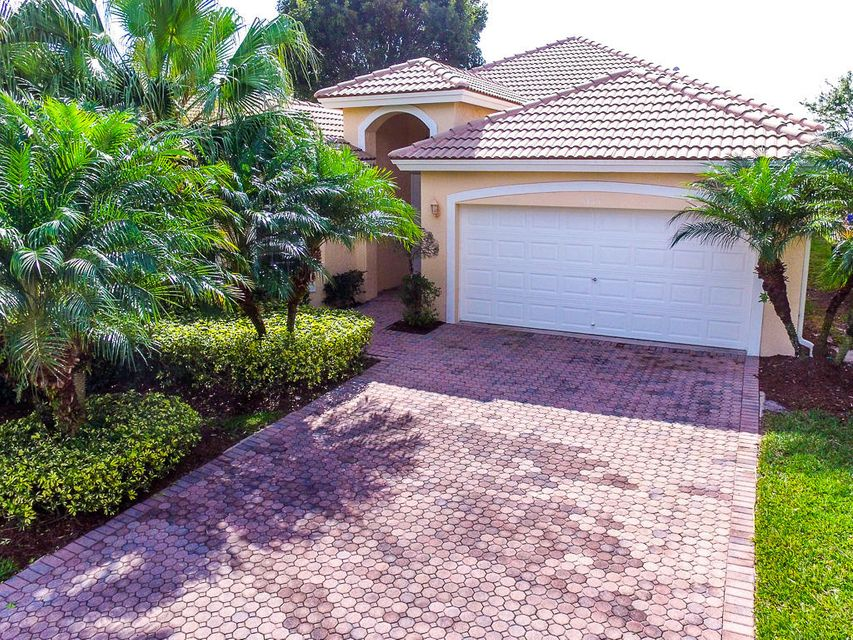 5813 Fountains Drive Lake Worth, FL 33467 photo 2