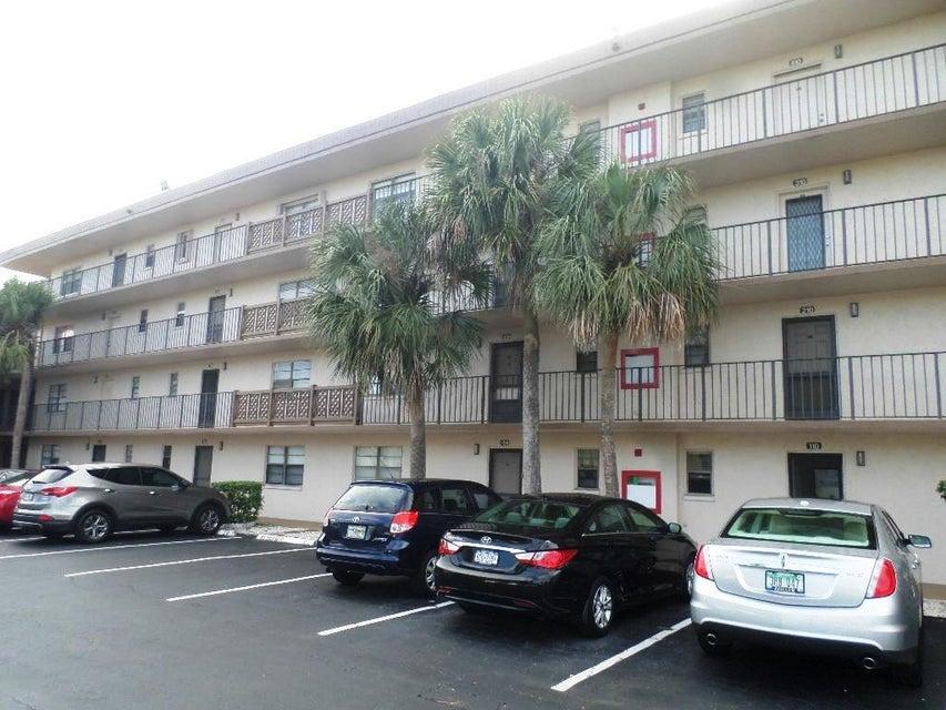 9300 SW 8th Street 306, Boca Raton, FL 33428
