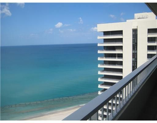 Additional photo for property listing at 5550 N Ocean Drive 5550 N Ocean Drive Singer Island, Florida 33404 Vereinigte Staaten