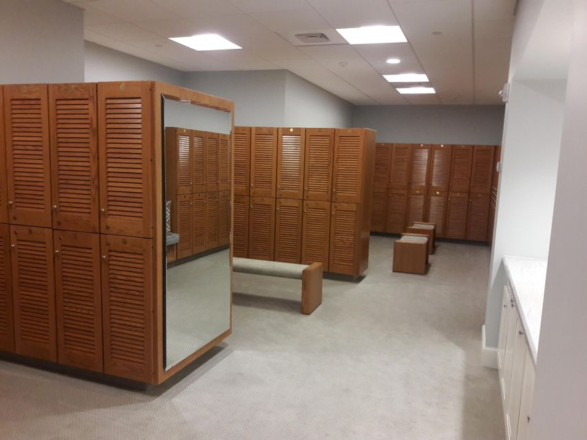 club house womens locker room