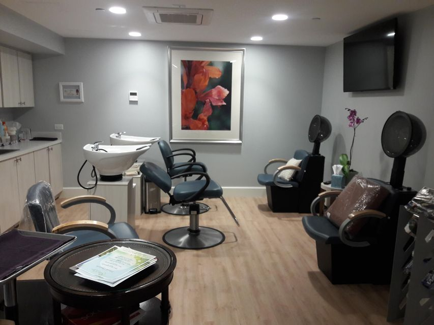 Spa hair color station