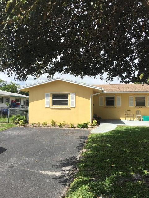 2811 NE 2nd Avenue, Boca Raton, FL 33431