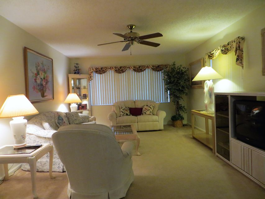 Additional photo for property listing at 10144 40th Way S 10144 40th Way S Boynton Beach, Florida 33436 Estados Unidos