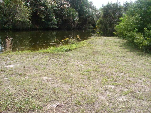 Terreno por un Venta en 3905 NE 9th Avenue Cape Coral, Florida 33909 Estados Unidos