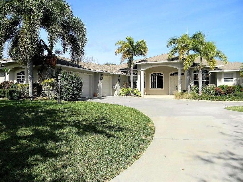 805 Holden Court, Sebastian, FL 32958