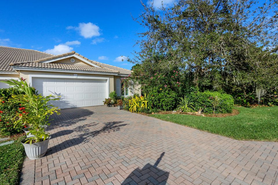 672 NW Broken Oak Trail, Jensen Beach, FL 34957