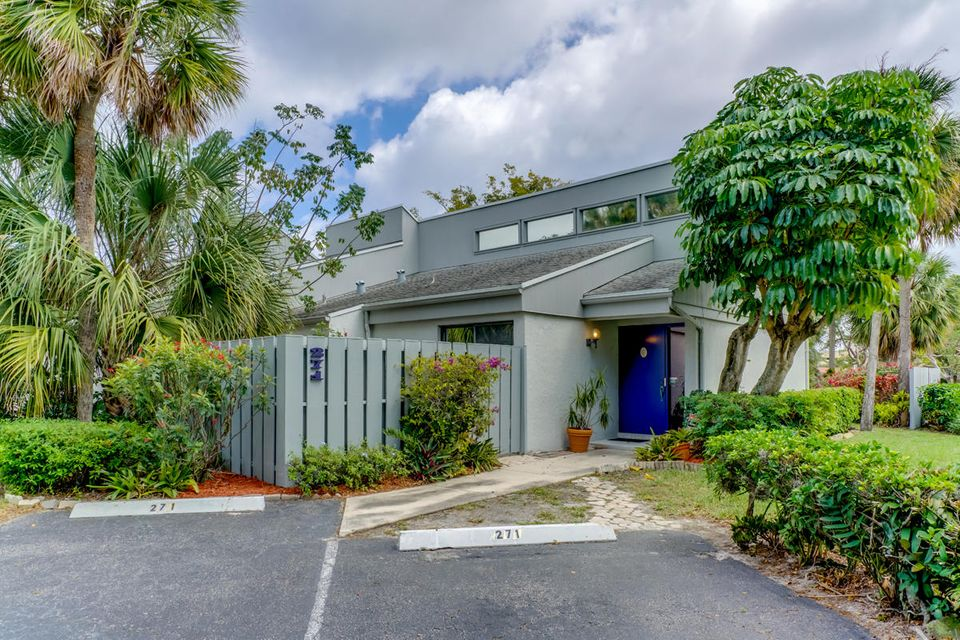 271 NW 15th Street NW, Boca Raton, FL 33486