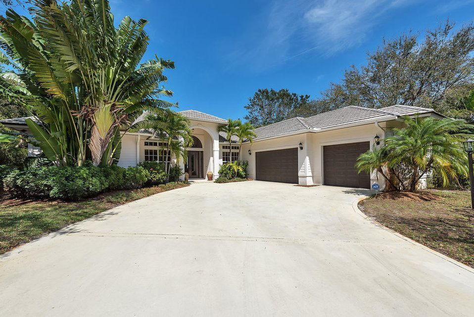 18451 SE Lakeside Drive, Tequesta, FL 33469
