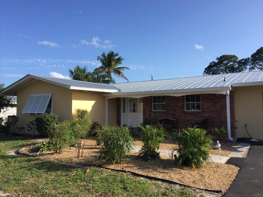 863 NW Spruce Ridge Drive, Stuart, FL 34994