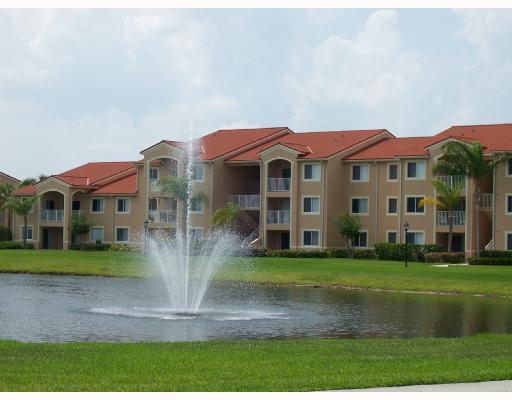 1650 N 42nd Circle 304 + Garage, Vero Beach, FL 32967