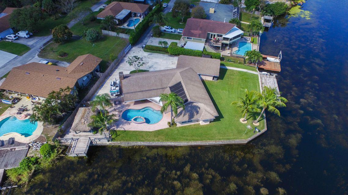 Additional photo for property listing at 2375 Gertrude Lane 2375 Gertrude Lane Lake Worth, Florida 33462 United States