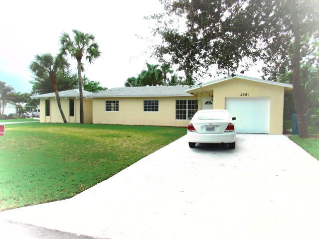 2581 SW 10th Court, Boynton Beach, FL 33426
