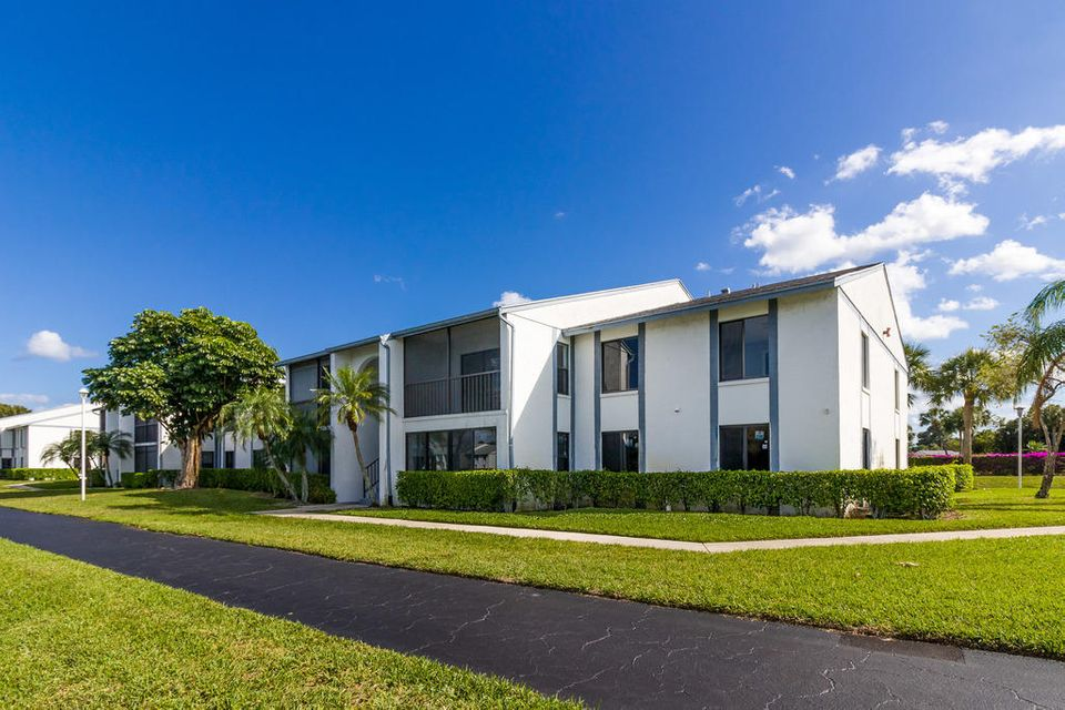 1002 Green Pine Boulevard B2 West Palm Beach, FL 33409 photo 19