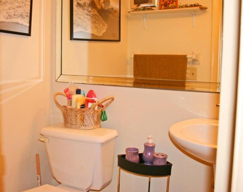 half bathroom2