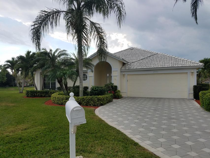 2551 Egret Lake Dr, Greenacres, FL 33413