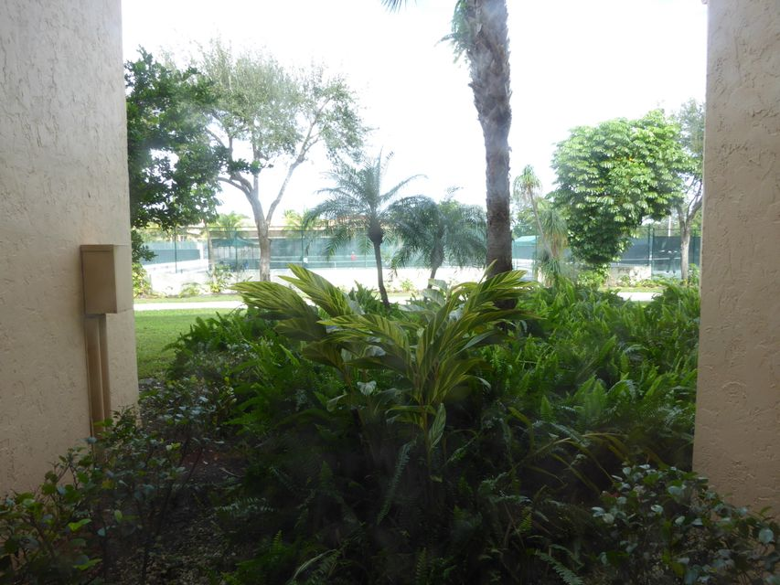 Additional photo for property listing at 755 Dotterel Road 755 Dotterel Road Delray Beach, Florida 33444 United States