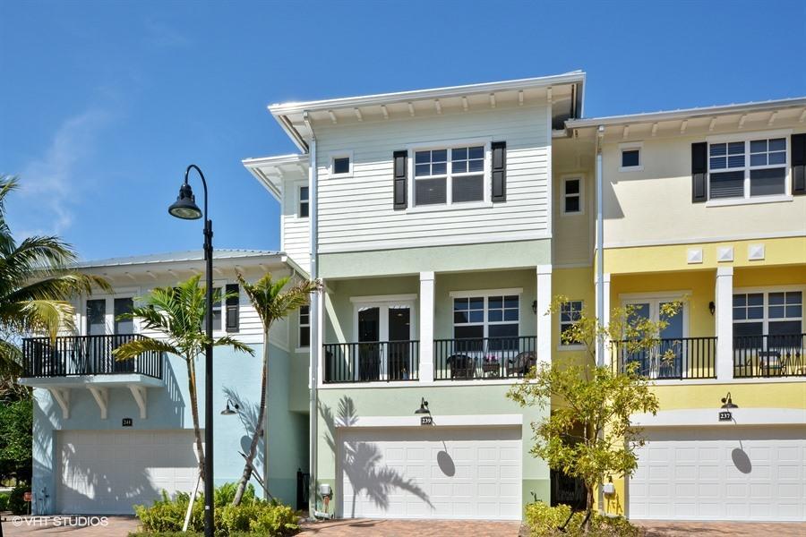 239 N Latitude Circle, Delray Beach, FL 33483