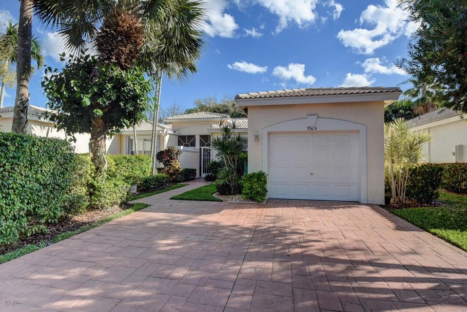 9515 Crescent View Drive N, Boynton Beach, FL 33437