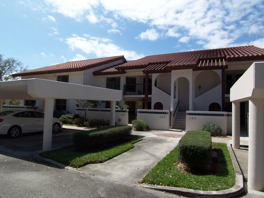 6050 SE Martinique Drive 202, Stuart, FL 34997