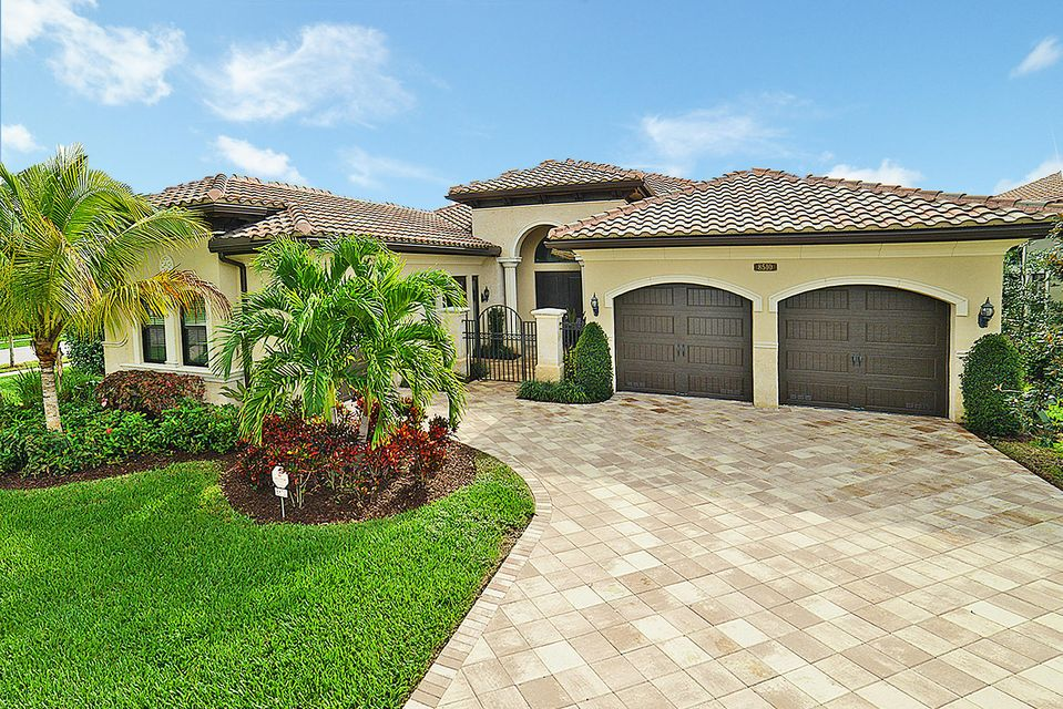 8510 Hawks Gully Avenue, Delray Beach, FL 33446