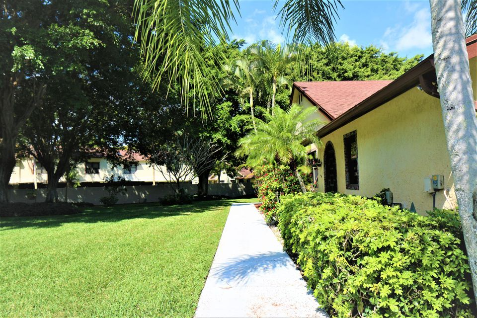 23441 Barlake Drive, Boca Raton, FL 33433