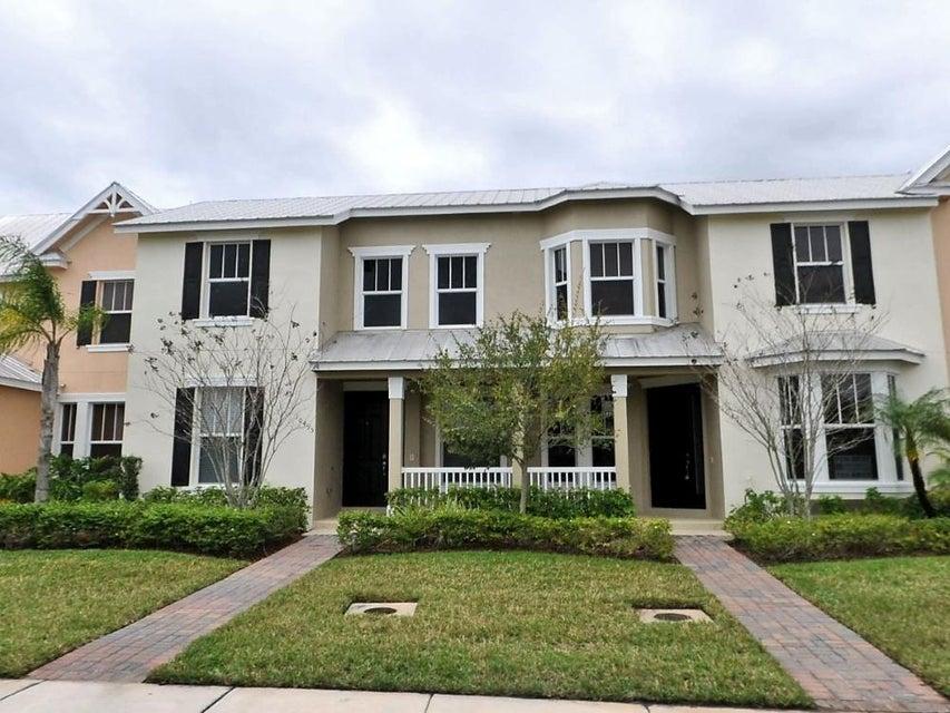 10495 SW West Lawn Boulevard, Port Saint Lucie, FL 34987
