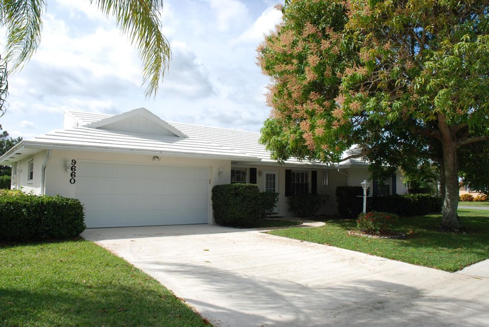 9660 SE Little Club Way N, Tequesta, FL 33469
