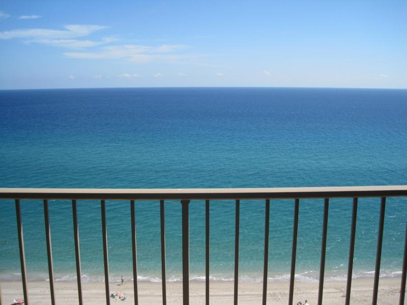 1021 Hillsboro Mile 1108, Hillsboro Beach, FL 33062