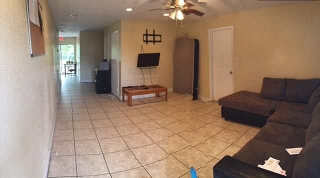 Additional photo for property listing at 812 SW 3rd Court 812 SW 3rd Court Delray Beach, Florida 33444 United States