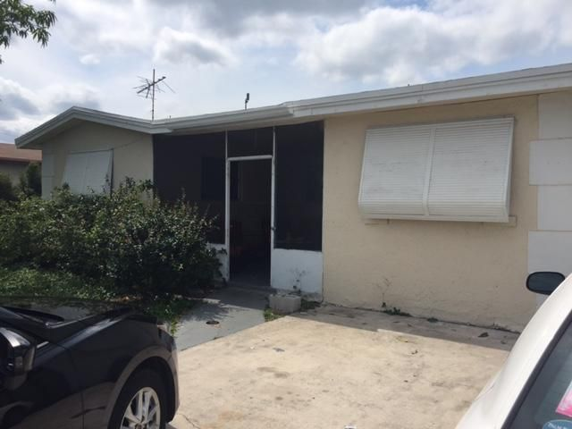 Additional photo for property listing at 230 SW 11th Avenue 230 SW 11th Avenue 德尔雷比奇海滩, 佛罗里达州 33444 美国