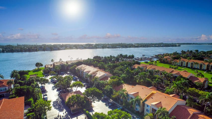 160 Yacht Club Way 303, Hypoluxo, FL 33462