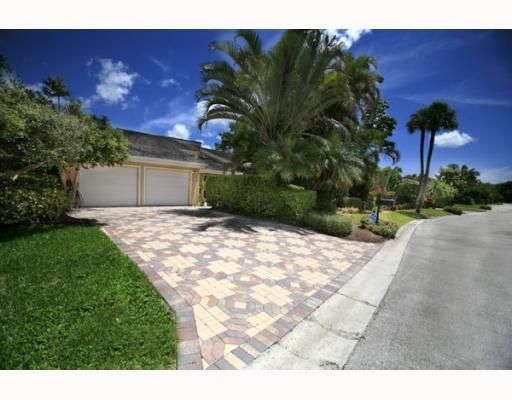 7639 Cedarwood Circle, Boca Raton, FL 33434