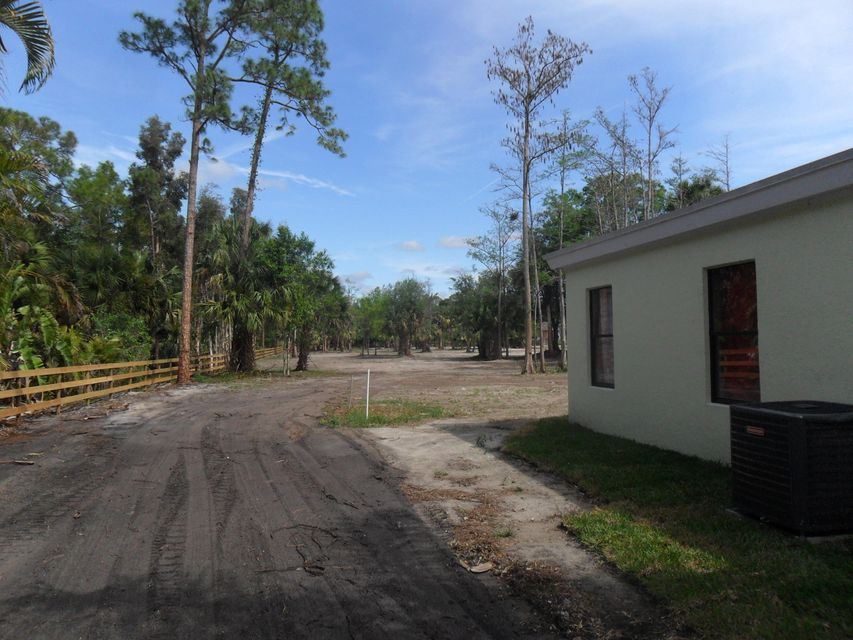 2370 C Road, Loxahatchee Groves, FL 33470