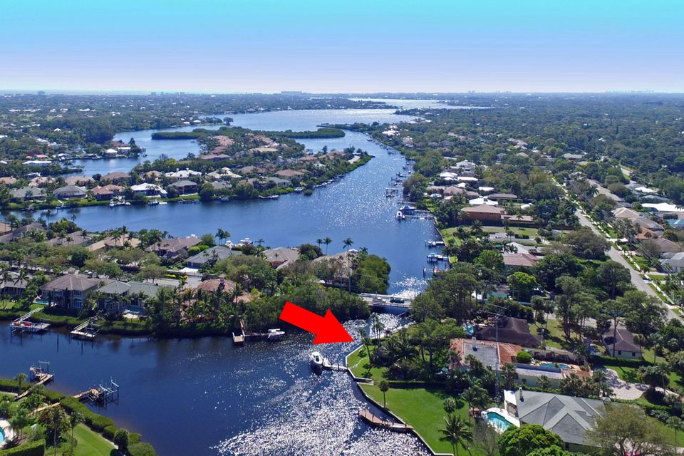 18903 SE Jupiter River Drive, Jupiter, FL 33458
