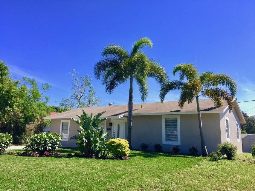 2744 Worcester Road, Lake Worth, FL 33462