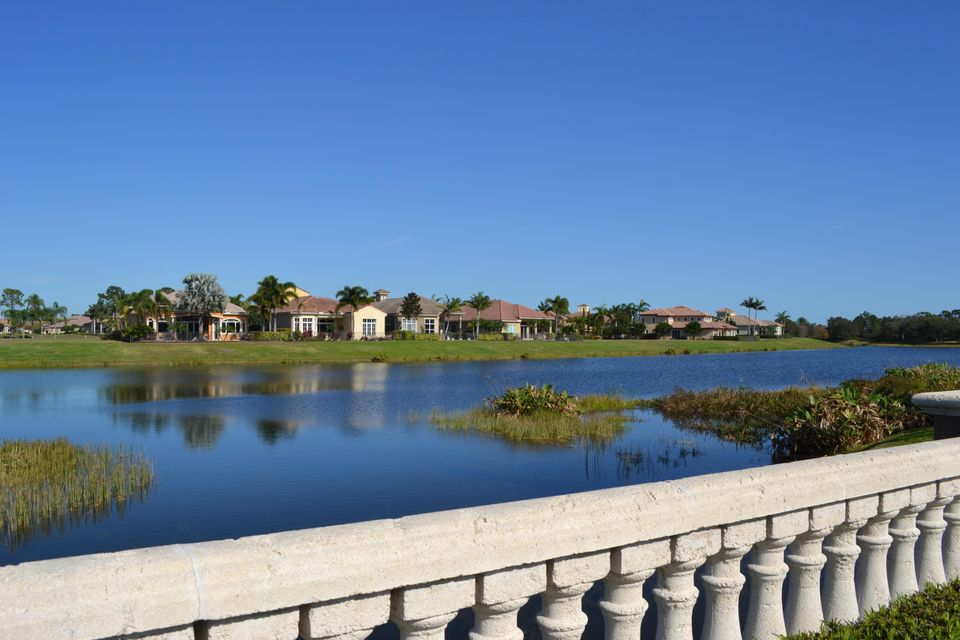 Additional photo for property listing at 176 SE Bella Strano 176 SE Bella Strano Port St. Lucie, Florida 34984 United States