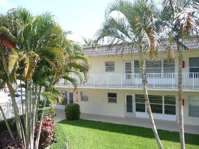 SNUG HARBOR GARDENS CONDO home 640 Snug Harbor Drive Boynton Beach FL 33435