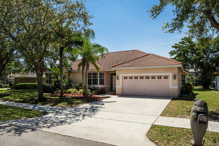 5525 NW 41st Terrace, Coconut Creek, FL 33073