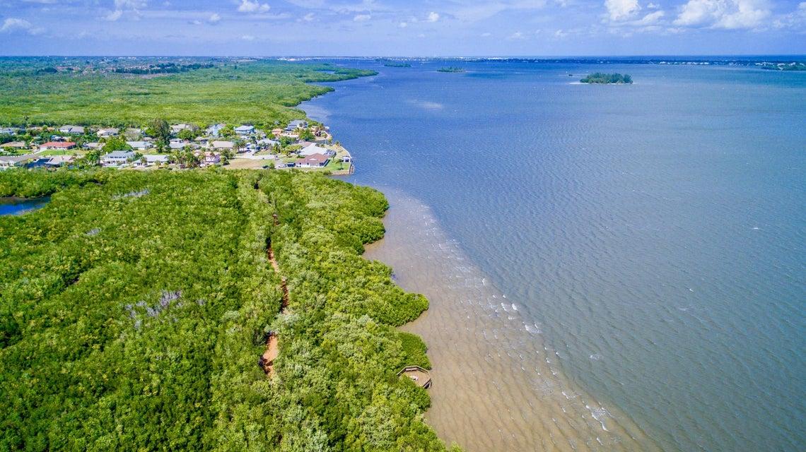 670 E Lake Jasmine Circle 202, Vero Beach, FL 32962