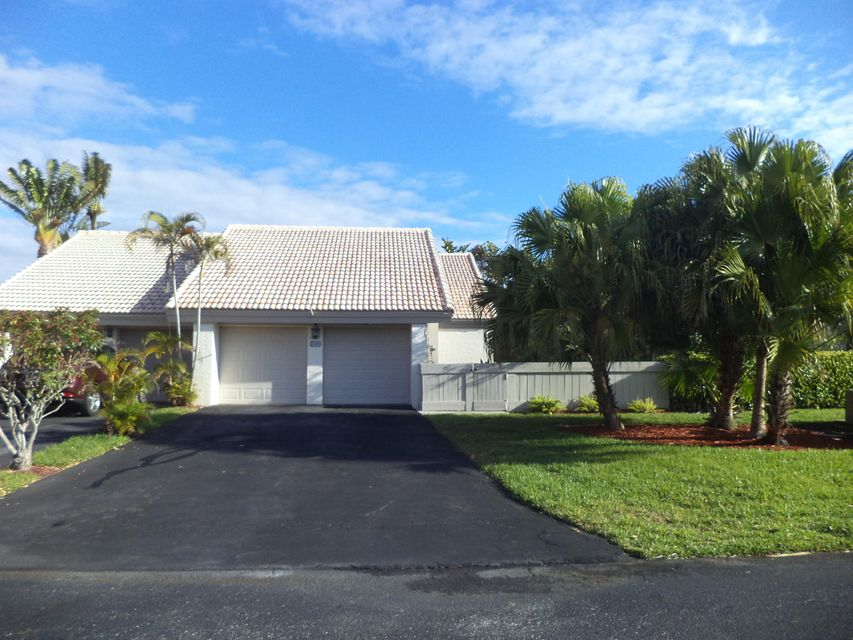 9749 Erica Court, Boca Raton, FL 33496