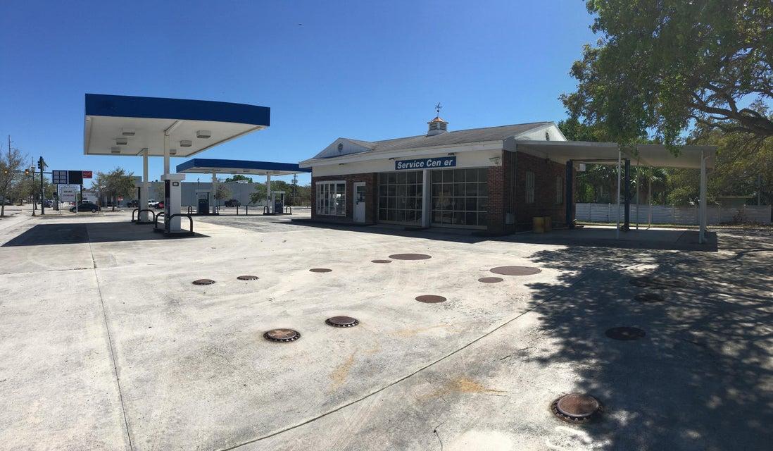 Comerciais / Industriais para Venda às 701 Delaware Avenue 701 Delaware Avenue Fort Pierce, Florida 34950 Estados Unidos